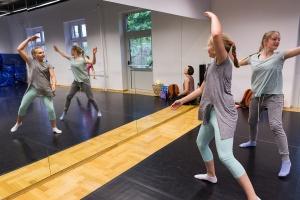 Taniec współczesny dla dzieci i młodzieży